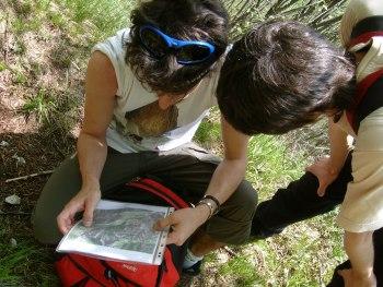 Consultiamo le mappe in prossimità della Grotta della Noga