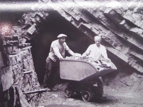 """Lavoro in miniera a Serpiano """"Tre Fontane"""""""